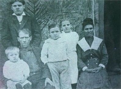 Henry Levander Leach (standing left back GGPA) John Leach (sitting left GGGPa) and Rutha Lamisey White Leach (far right GGGma)